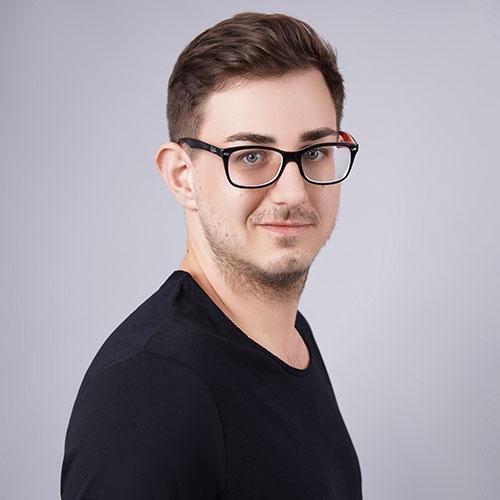 Деннис Вебер, BA