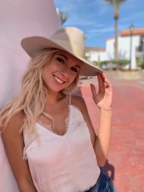 Model Sarah #55774