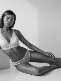 Model Nadine #56578