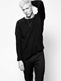 Model Dominic #54880