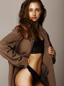 Model Lynn  #59855