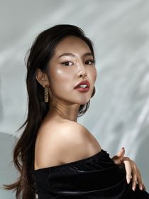 Model Anh # 40327