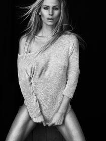 Model Denise #36987