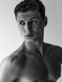 Model Julian #44362