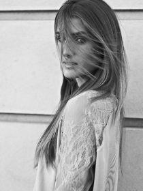 Model Leyla #53779