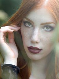 Model Nicole #29990