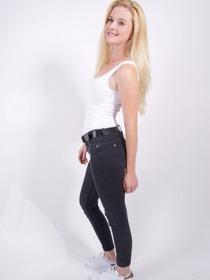 Model Maren #32005