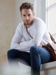 Model Matthias #42995