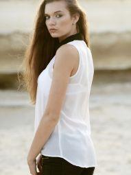 Model Caitlin #35156