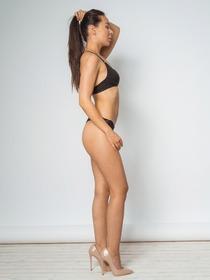 Model Tia #63324