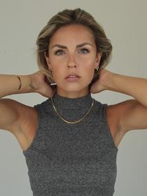 Model Julia #64915