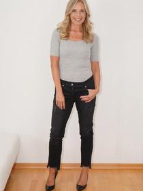 Model Karin # 68962