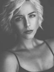 Model Laura #34699