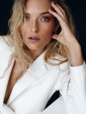 Model Alena
