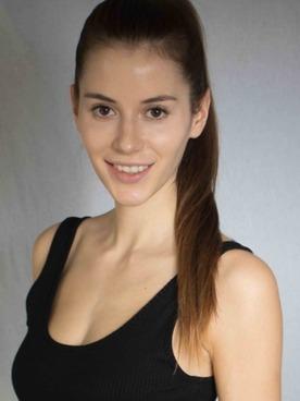 Modell Carolin