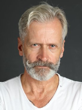 Model Karl-Heinz