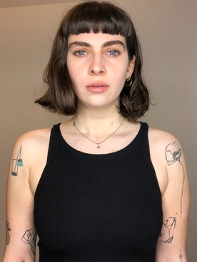 Model Mina